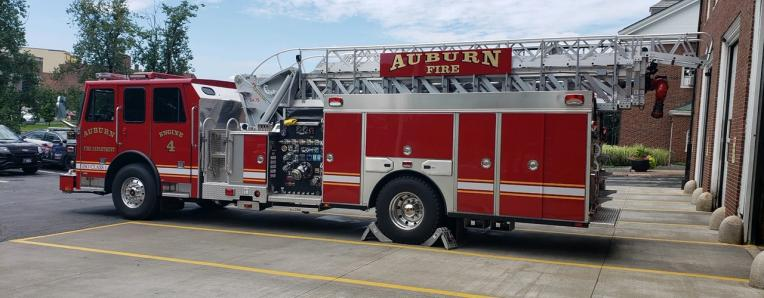 Picture of Auburn Fire Department Engine 4 Firetruck